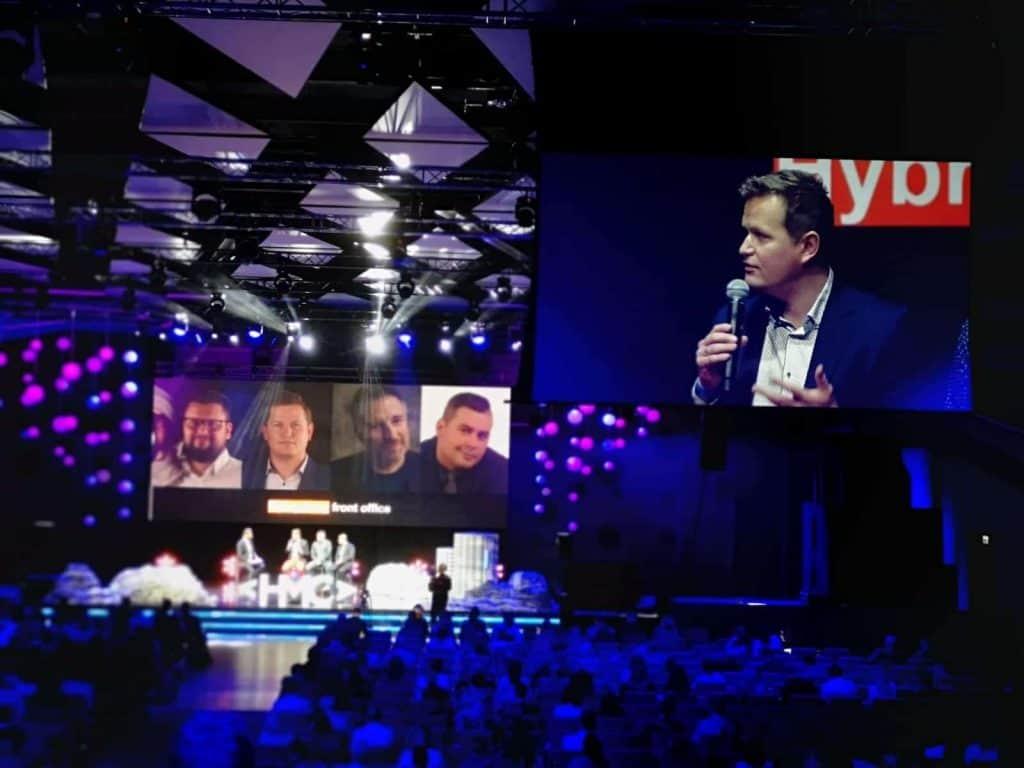 Maciej Straus konferencja HMC